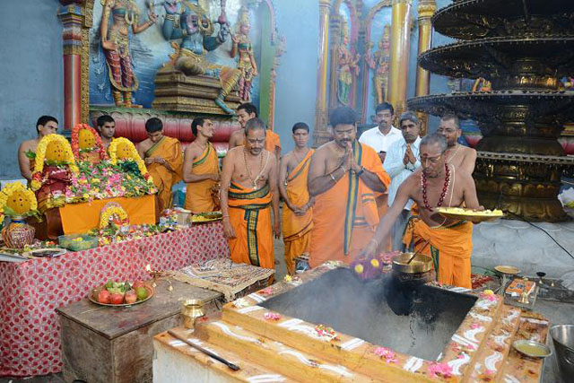 Sri Sadha Chandi Homam at the Sripuram
