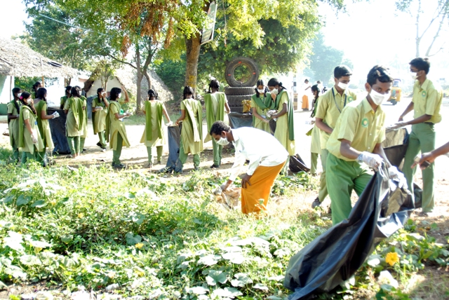 Students as well as Peedam staff clean up the environment