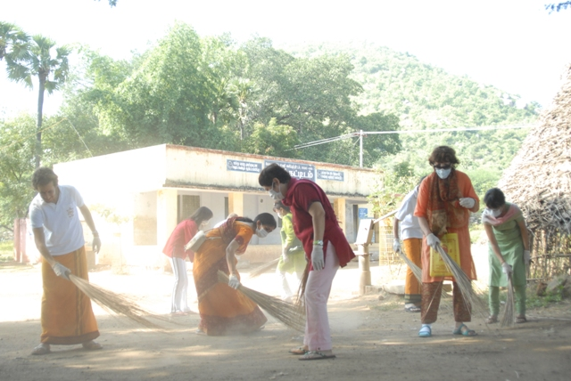 Devotees assist in the Clean Up Campaign