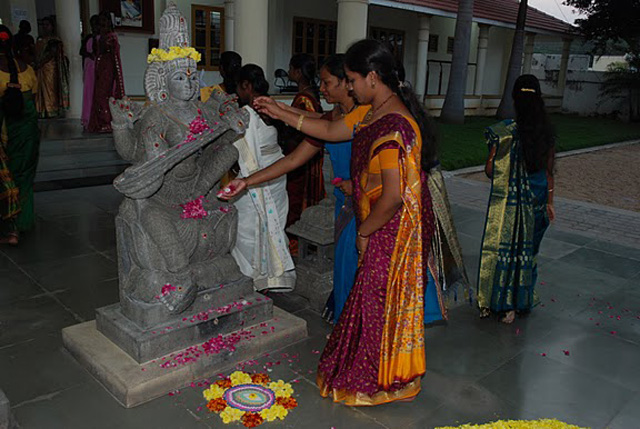 Student nurses pay tribute to Goddess Saraswathi