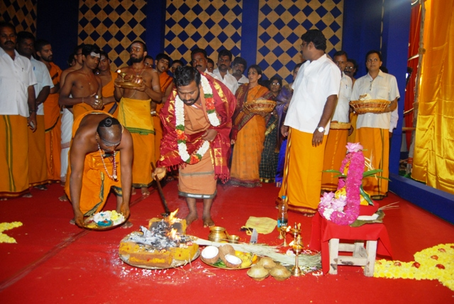 Sri Sakthi Amma adds ghee to the fire