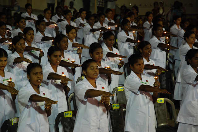Student nurses take the pledge