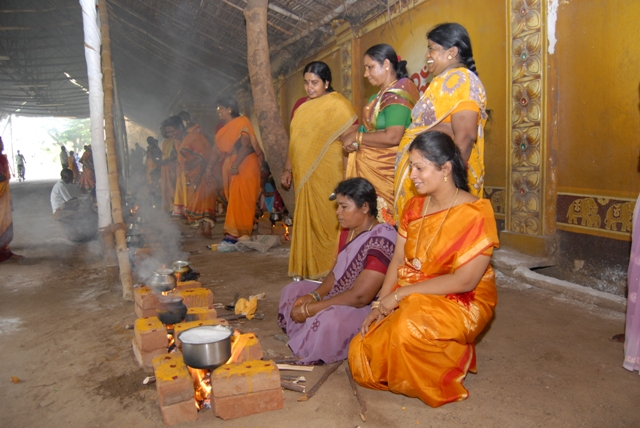 Shanthi also participated in the Pot Pongal celebrations