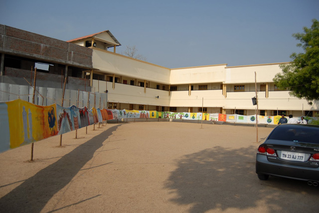 The painting event took place at the Sri Narayani Vidyalya School