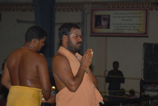 Sri Sakthi Amma chants the mantras