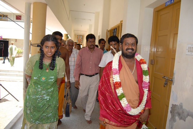 Sri Sakthi Amma walks in