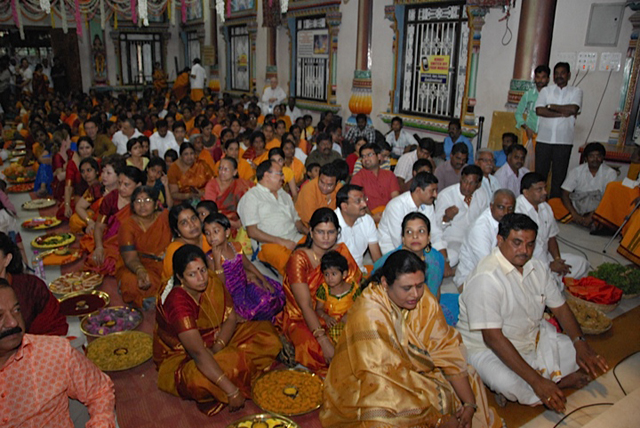 Large gathering of devotees for the auspicious event