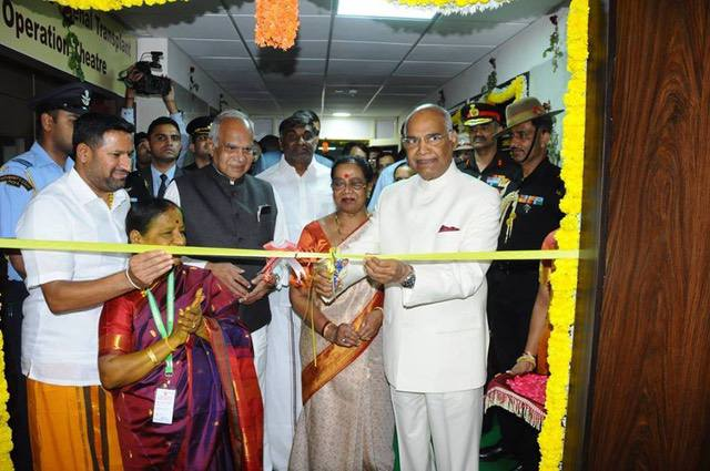 The President cuts the ribbon to open the Ultra-Modern Cardiothoracic Surgery Unit, Cath Lab and Renal Transplant Unit