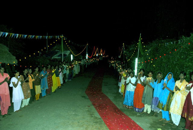 Villagers line up waiting to receive Beloved Sri Sakthi Amma