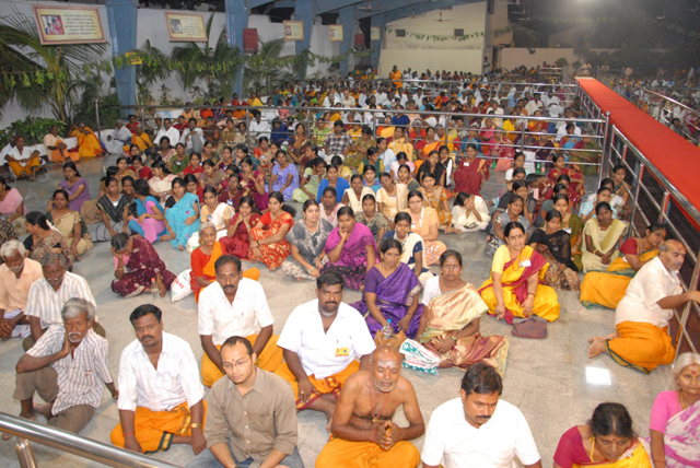 Devotees gathered to witness the Yagam and receive the blessings of Beloved Amma