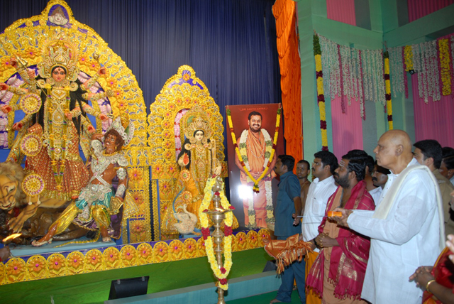 His Excellency Dr. K. Rosaiah inaugurates the Goddess Durga statue