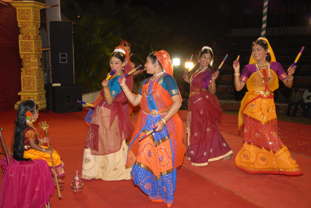Folk dance by Manisha, Guru Gayathri Sasidharan Group