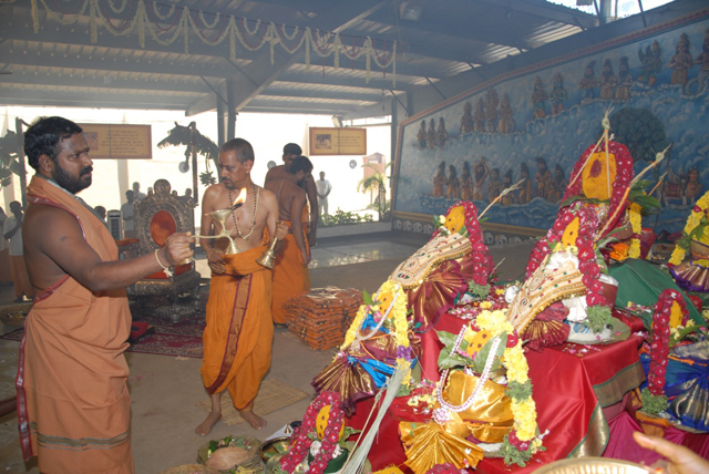 Beloved Amma performs the arathi