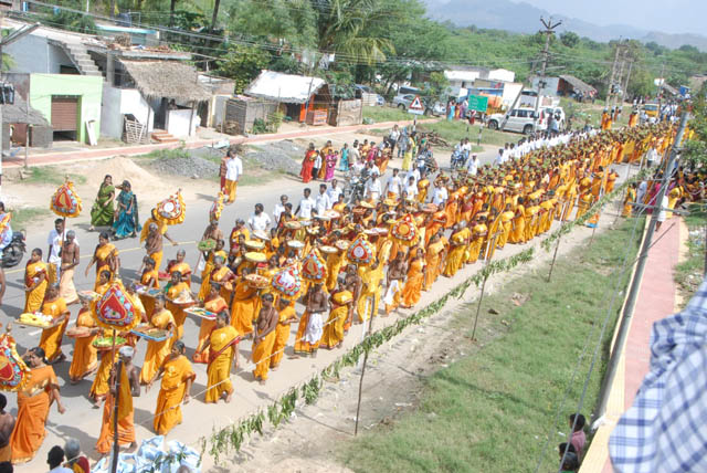 Procession of the Baktha Sabha members and other devotees