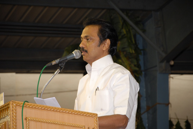 The Honourable Deputy Chief Minister of Tamil Nadu addresses the gathering