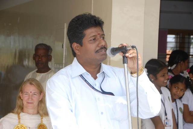 School Principal Mr. Romesh Shanmugasundaram gives the closing address