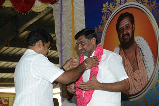Director of Sripuram welcome the Chief Guest