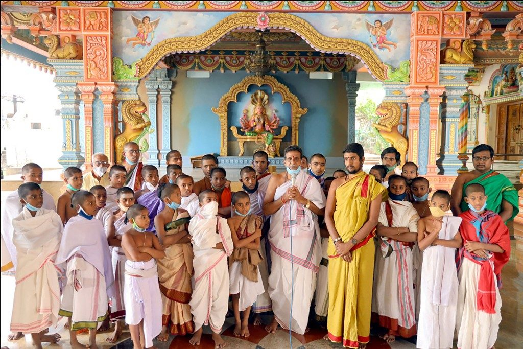 Dhaanam – 40 young Student Priests